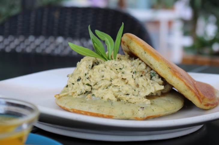 zaatar and scrambled eggs pancake
